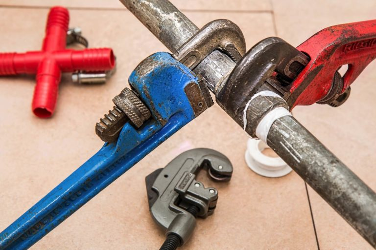 Is a Plumber and a Gas Fitter the Same Thing?